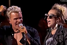 Billy Idol wykonuje Rebel Yell z Miley Cyrus